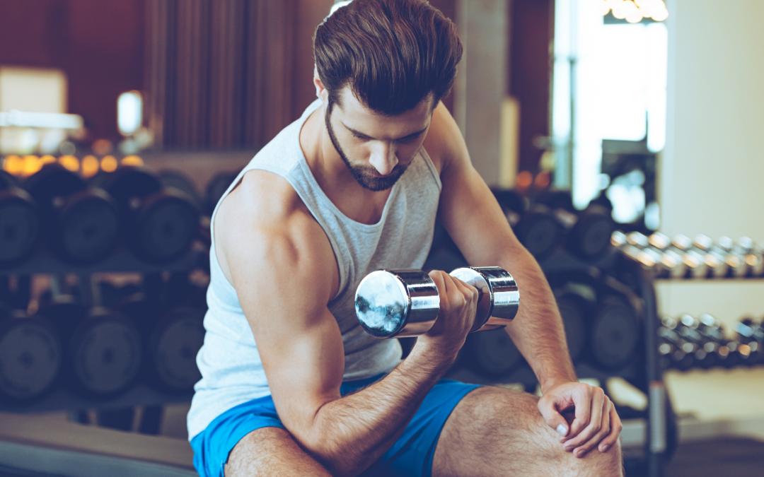 No te olvides  de ejercitar los bíceps y tríceps – Vamos a por lo brazos